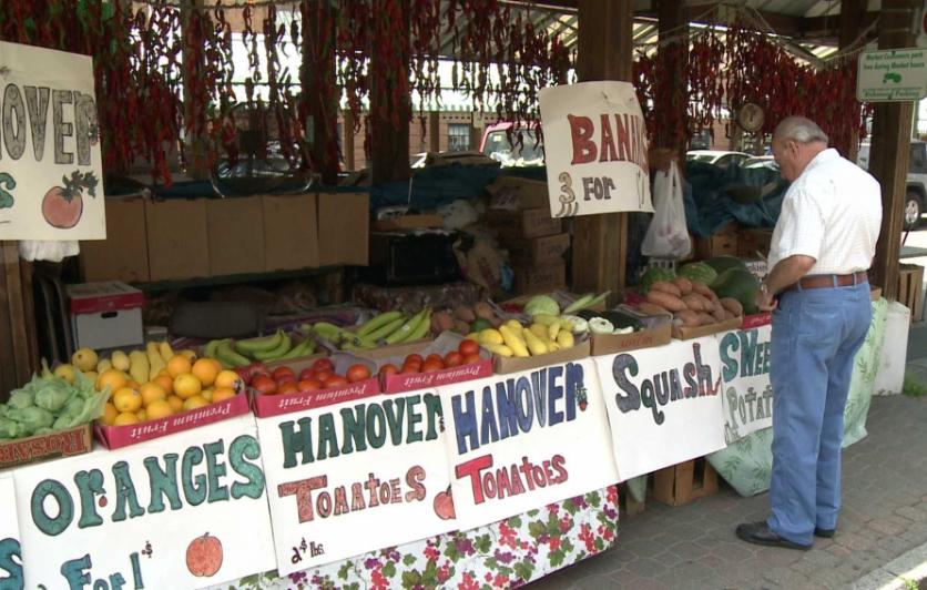 La Plaza Farmers Market